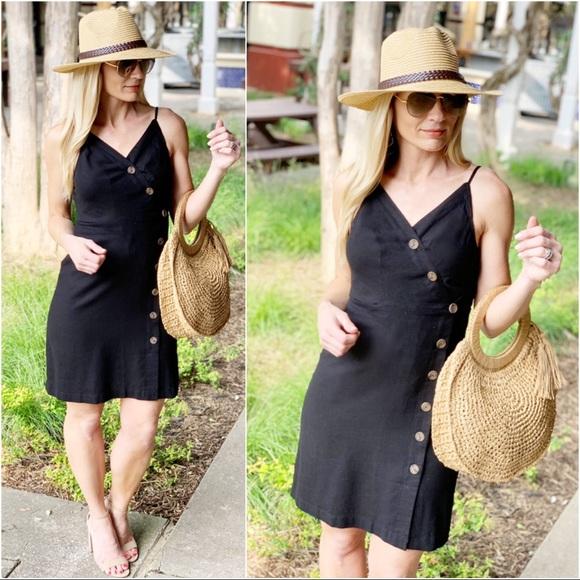 Infinity Raine Dresses & Skirts - ✨RESTOCKED✨Black button front dress